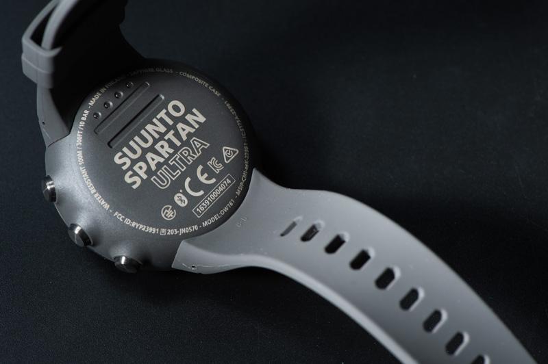SUUNTO-SPARTAN-ULTRAの充電と接続
