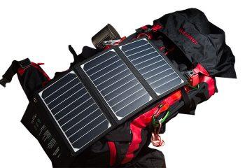 登山でのソーラー充電