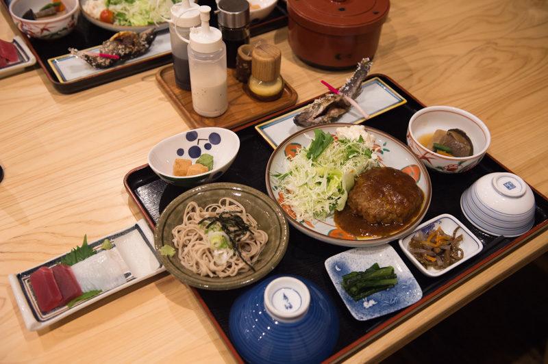 徳沢ロッヂの夕食