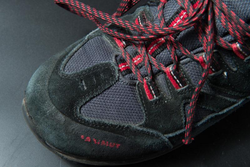 日本人用に幅広の靴型を使用している