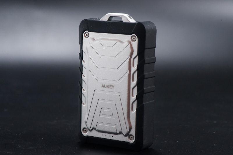 Aukeyのアウトドア用モバイルバッテリー