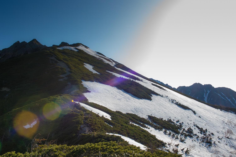 日本の夏山の雪渓