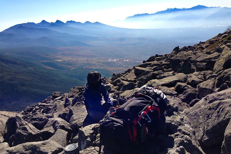 超重量での山岳写真撮影登山