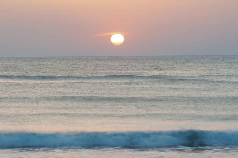 一宮海岸と朝日