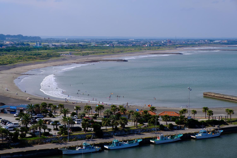 一宮の街と海