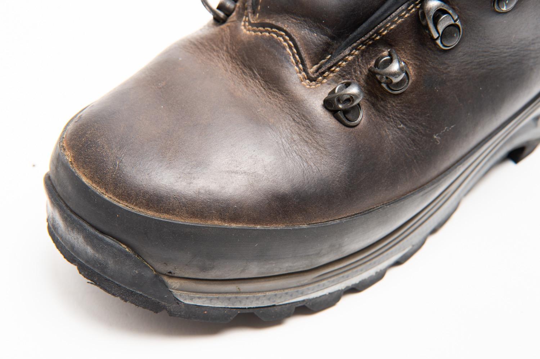 前コバのない登山靴