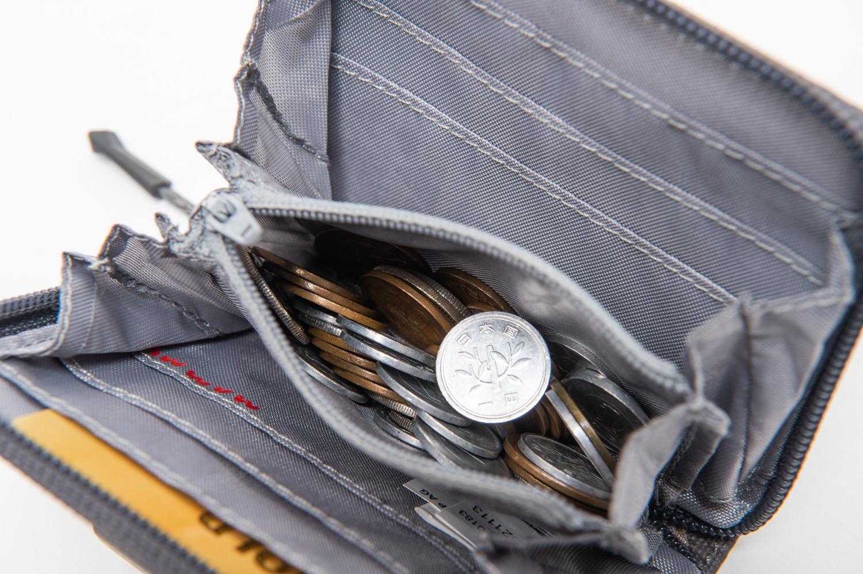 登山用財布の小銭入れ
