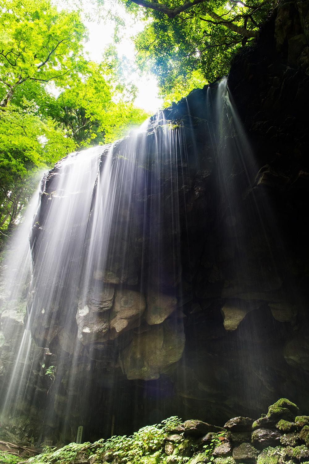 水の流れを表現する光源の使い方