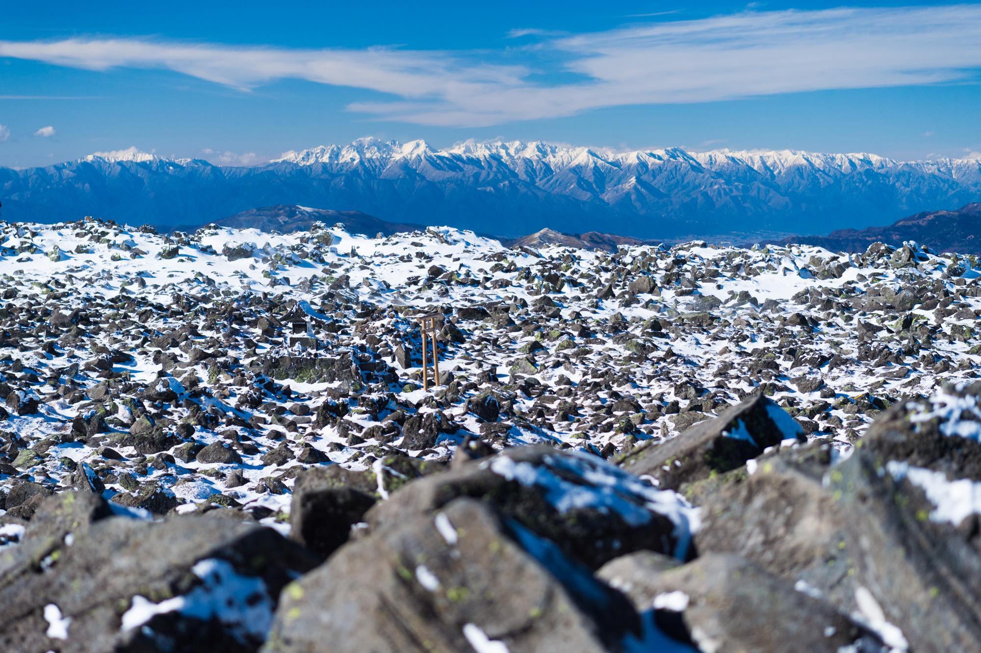 蓼科山山頂をつくる岩稜
