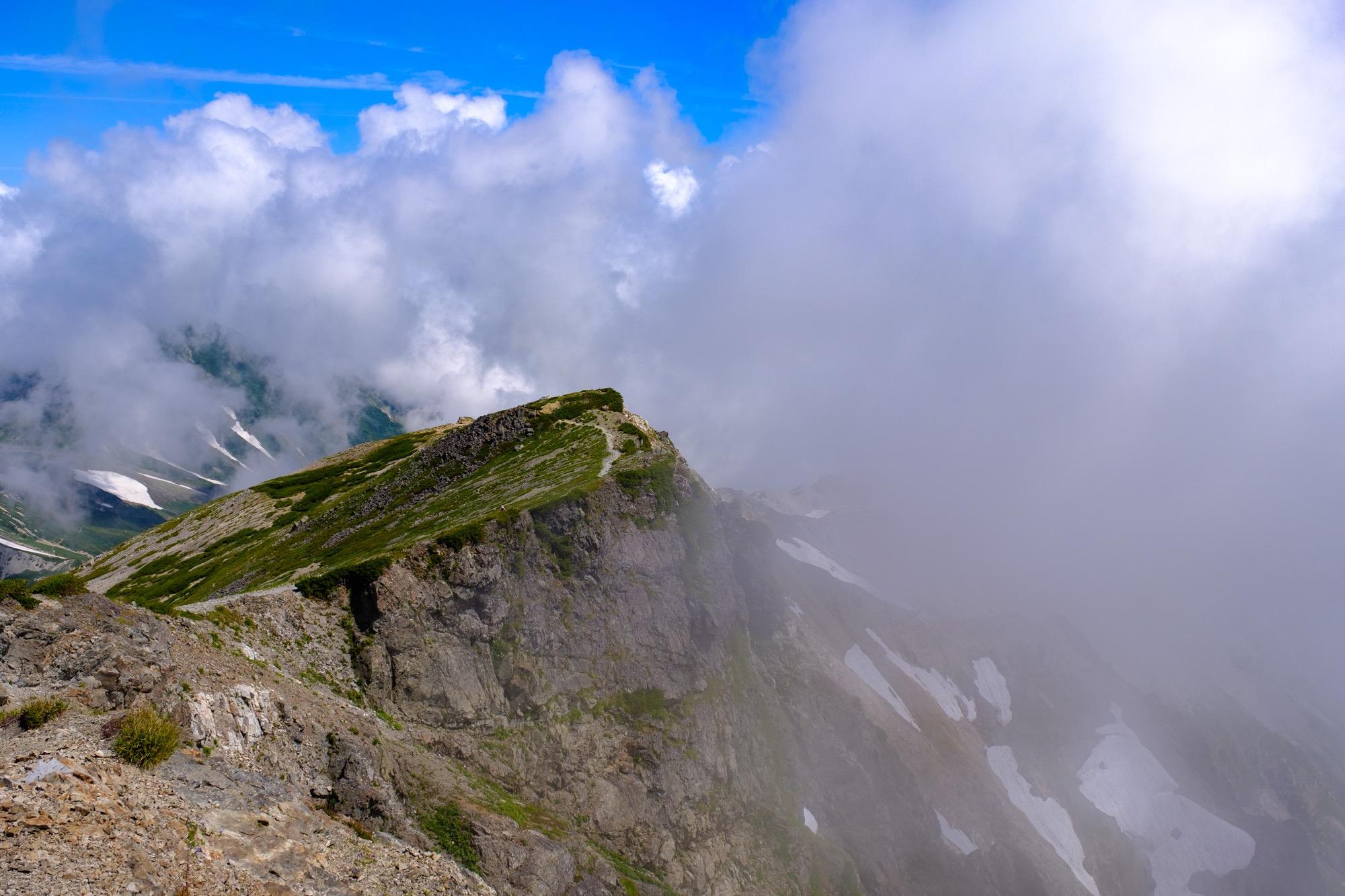 小蓮華山への稜線