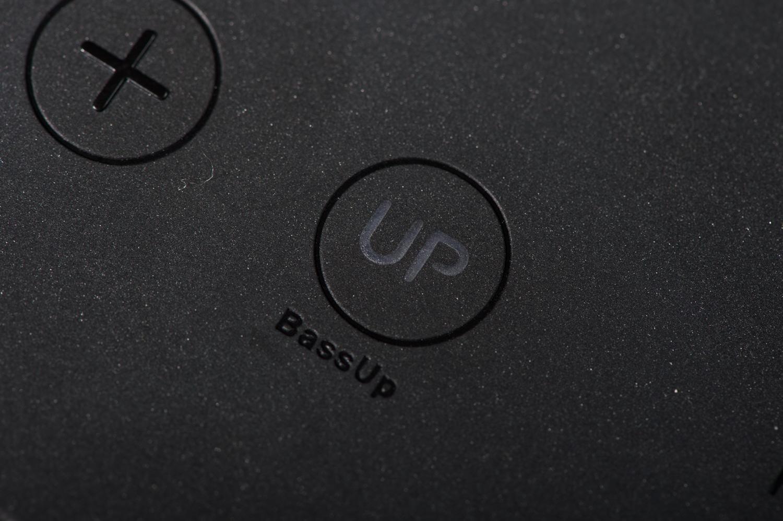 Bass UPボタン