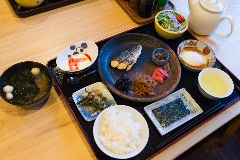 徳沢ロッヂの朝食